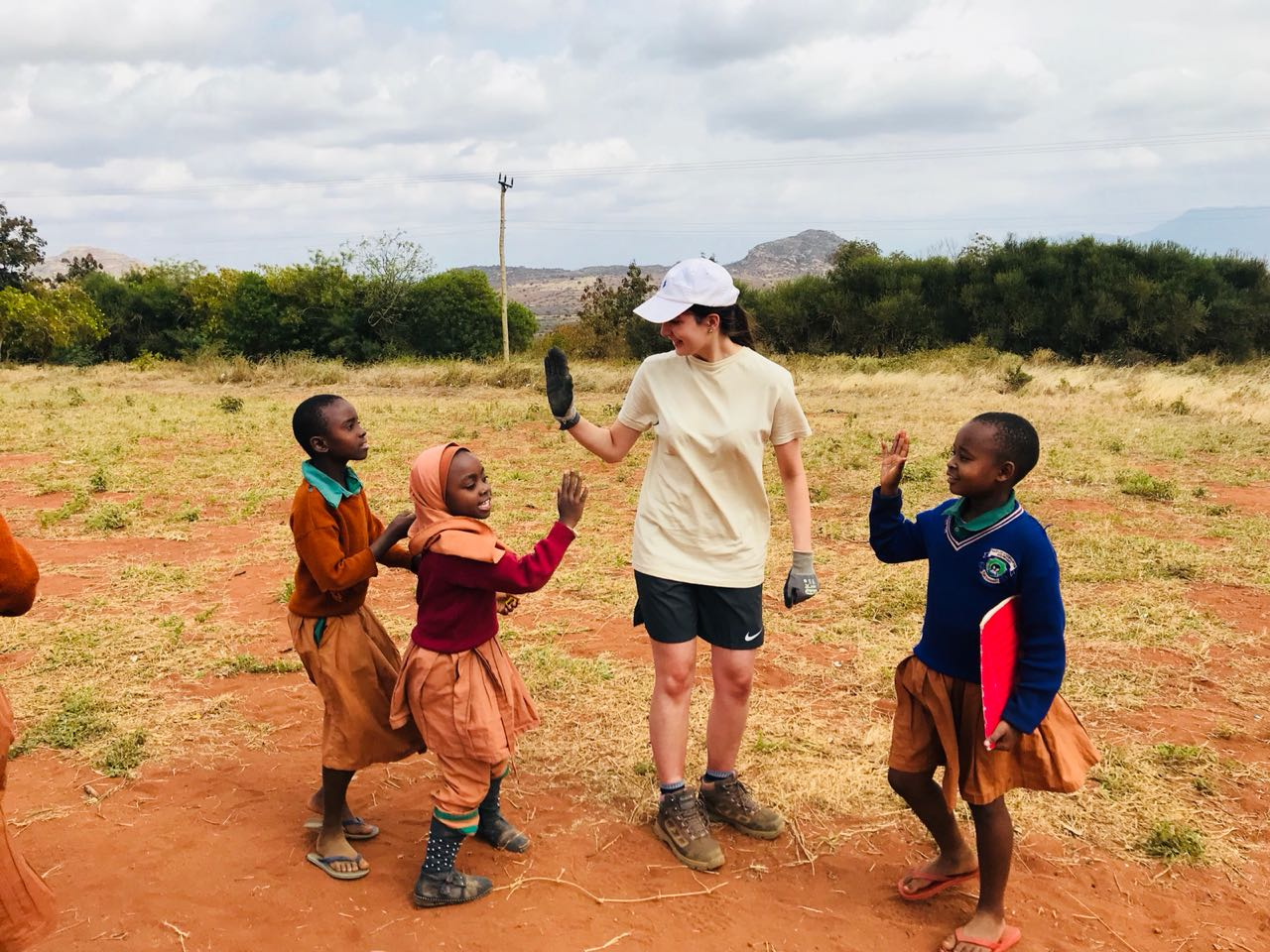 school_expedition_kenya_impact_high_five