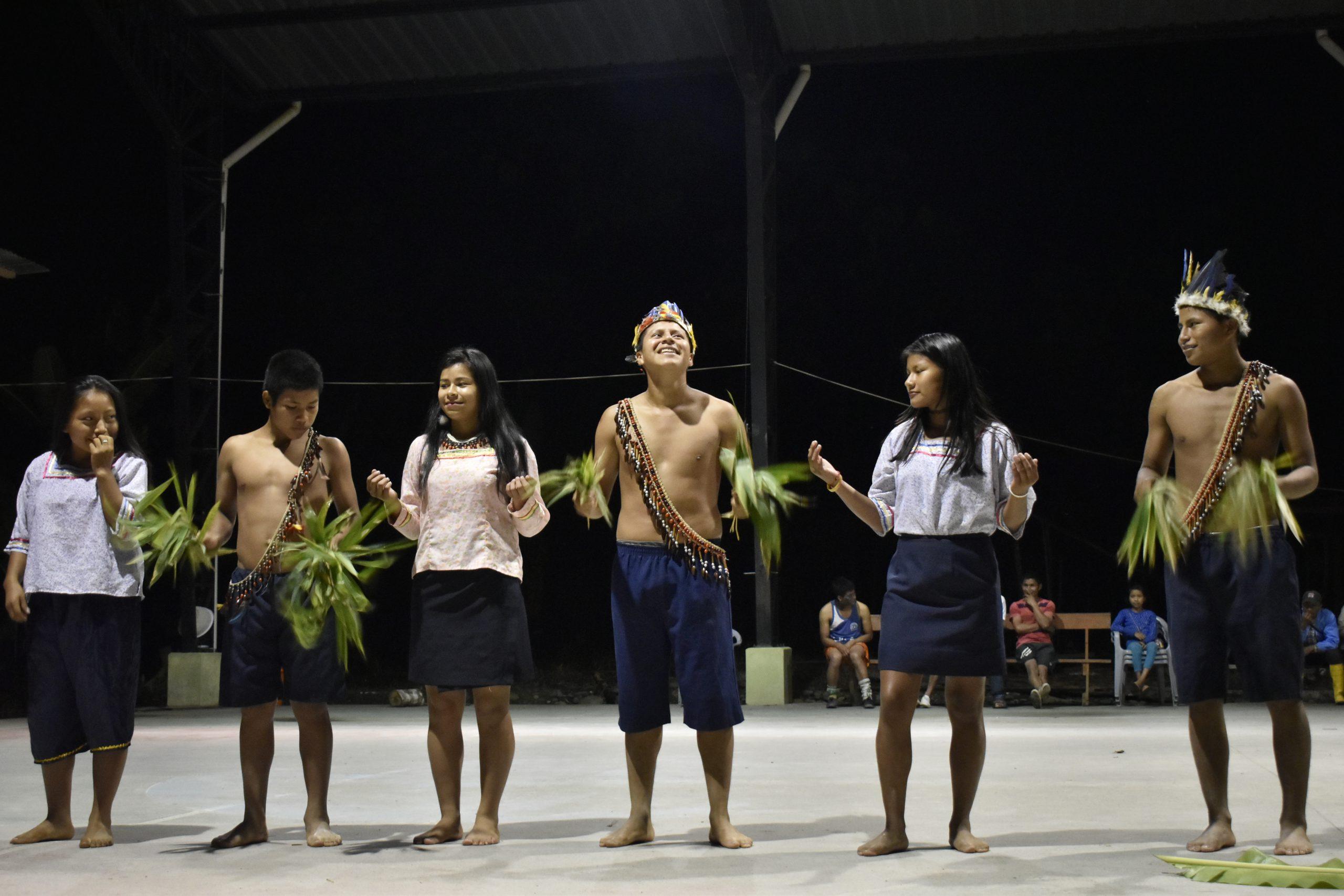 school_expedition_ecuador_scuba_traditional_dancing