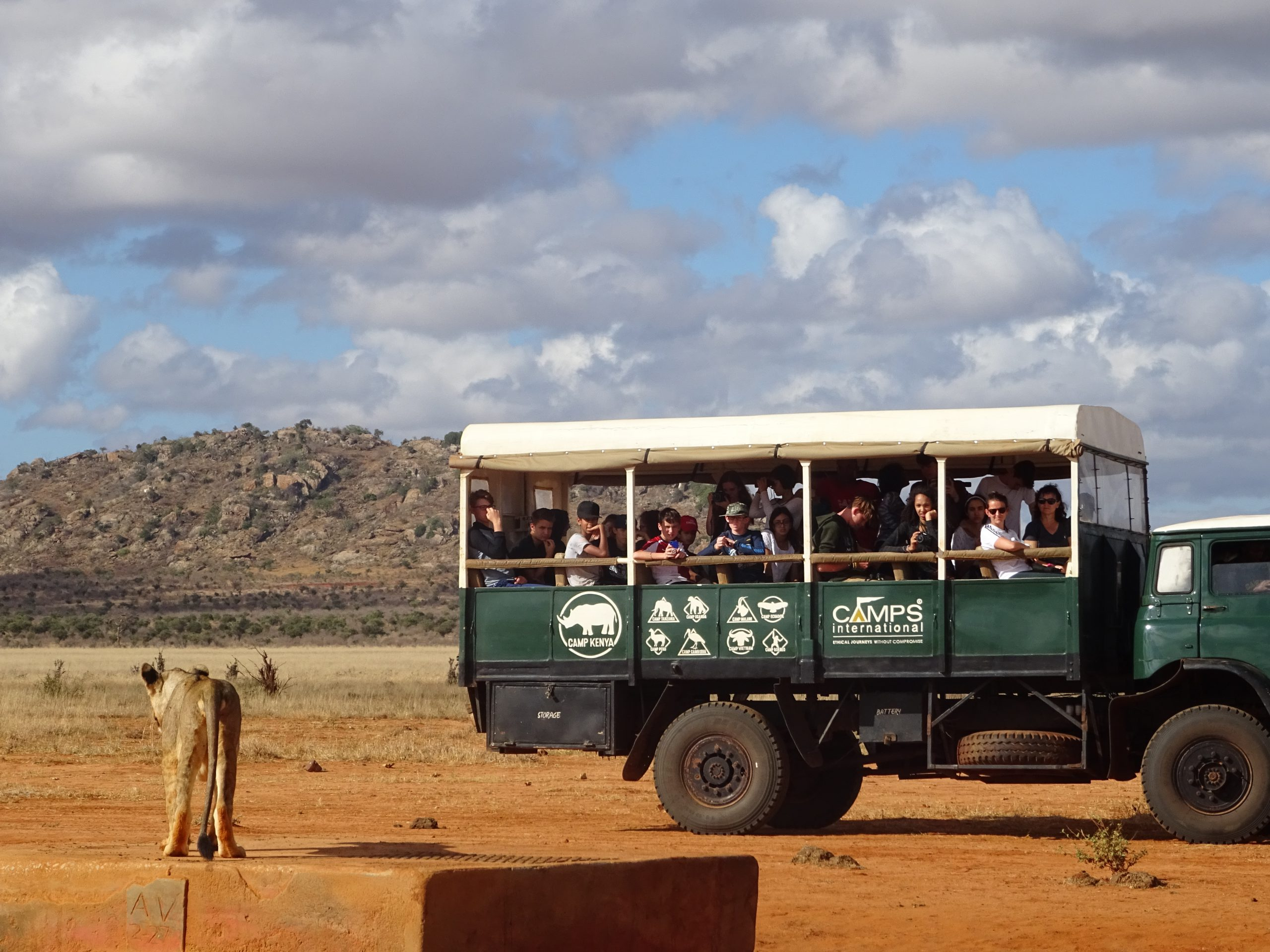 camps_international_safety_vehicle_on_safari