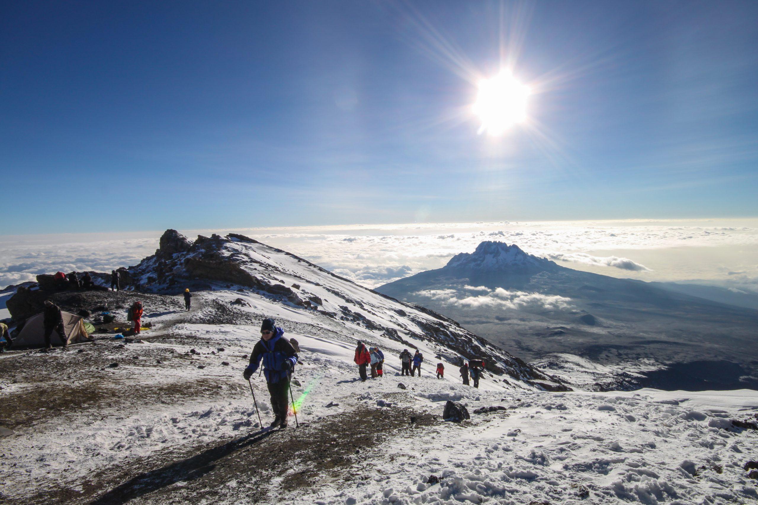 school_expedition_kenya_kilimanjaro_climbing_mountain