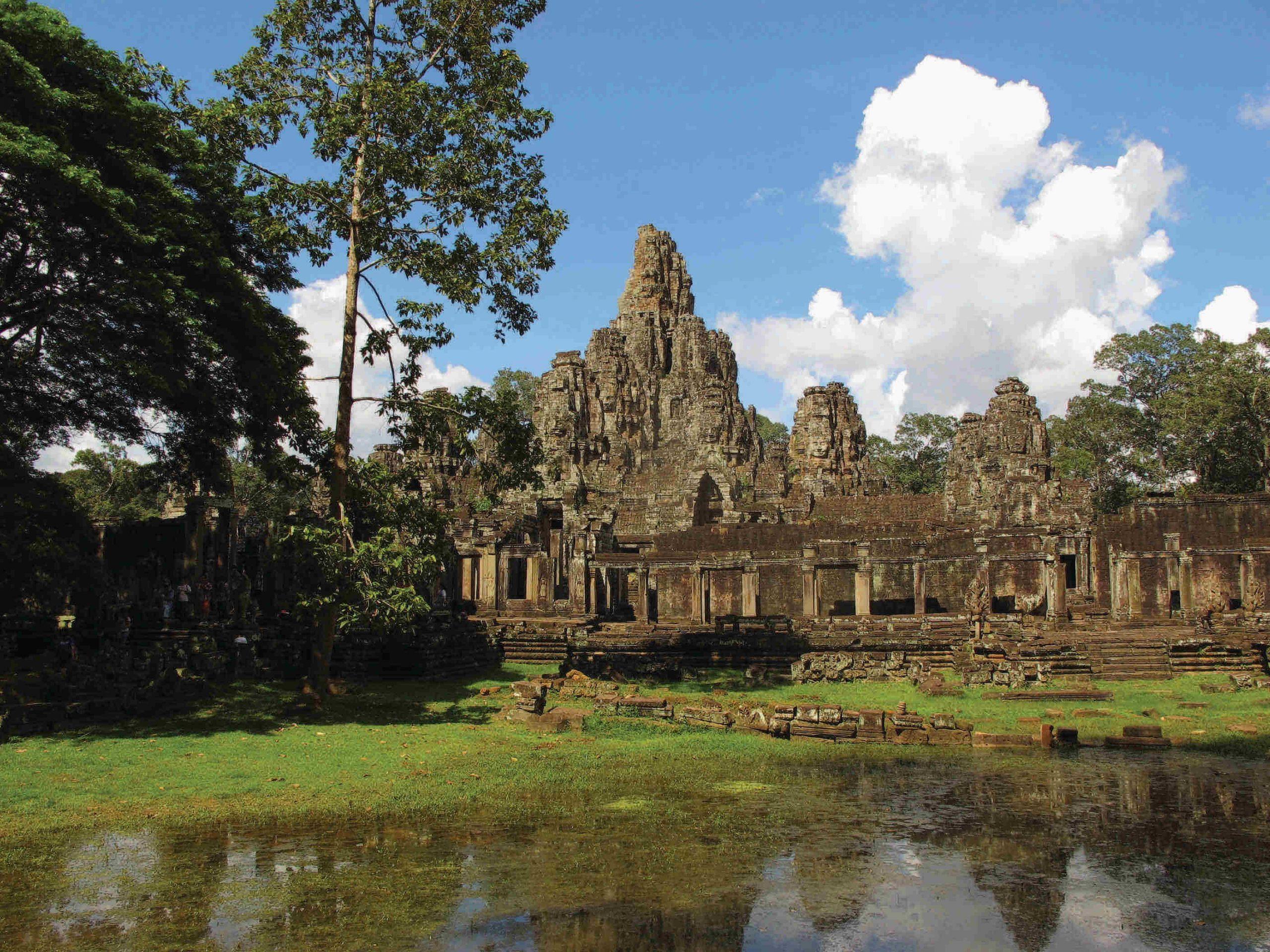 school_expedition_cambodia_trek_historic_temples-1