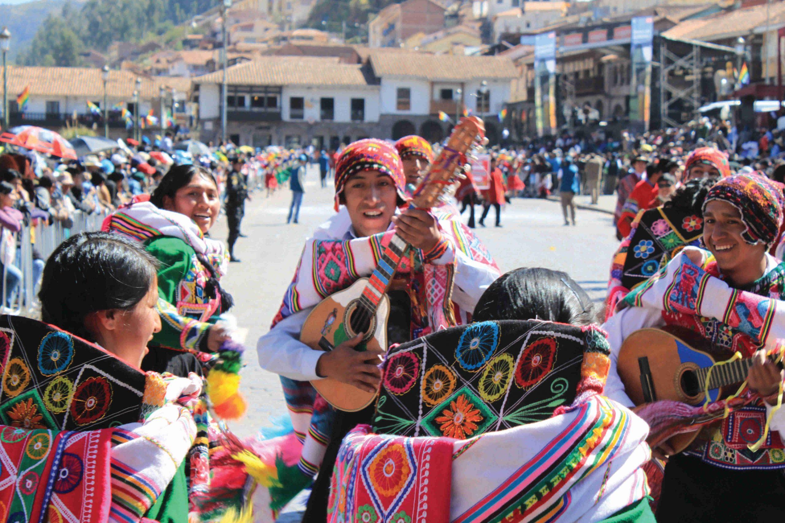 school_expedition_peru_trek_traditional_music-1-1