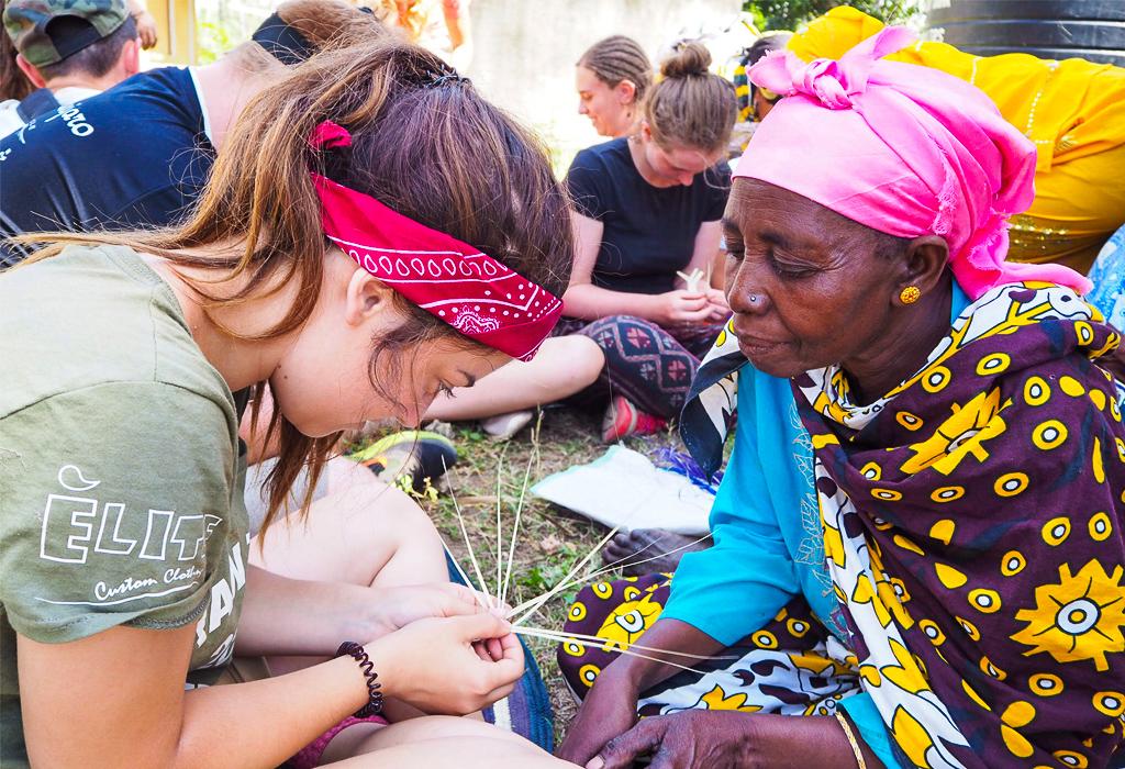 school_expedition_kenya_impact_womens_group-2