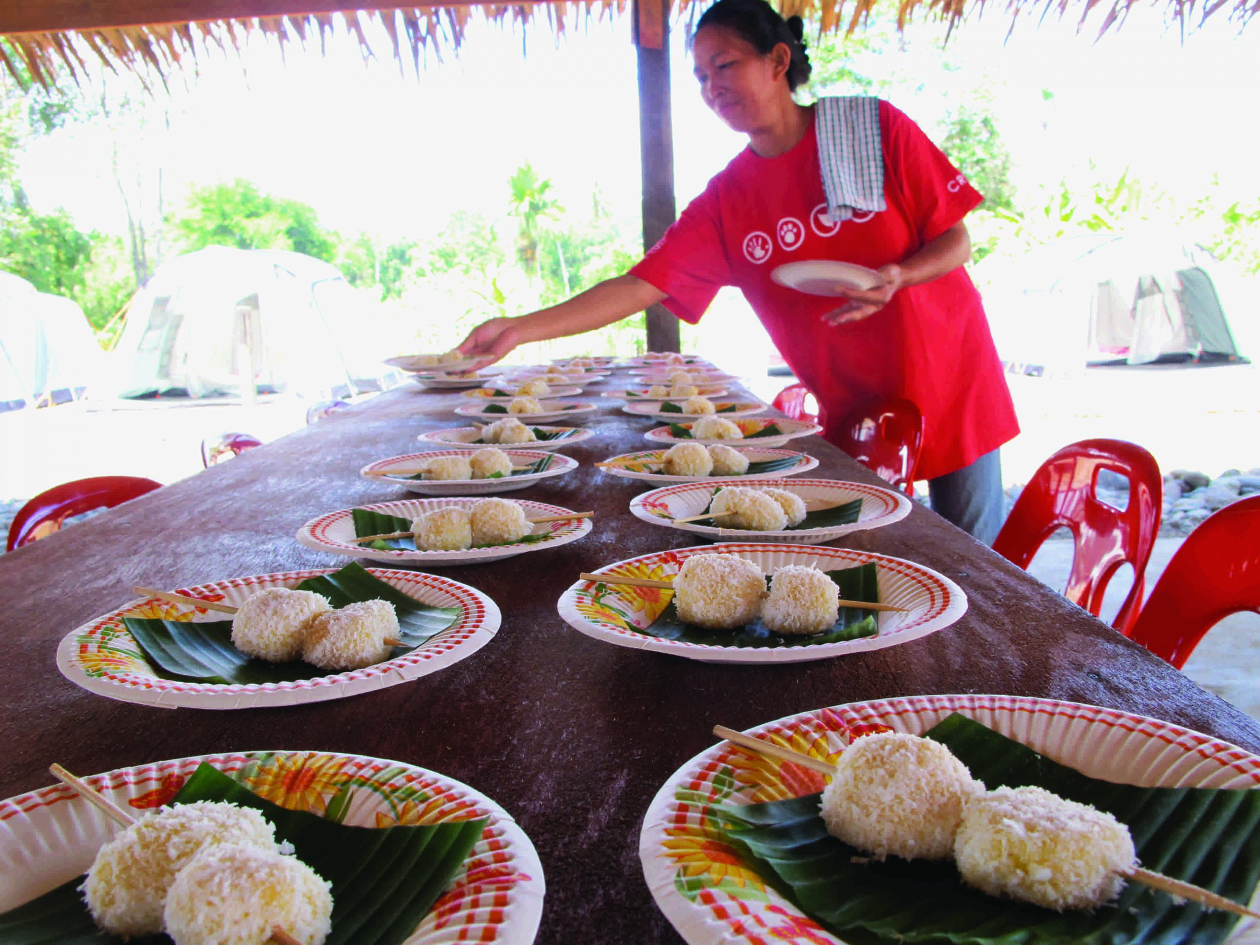 school_expedition_borneo_impact_traditional_food-1