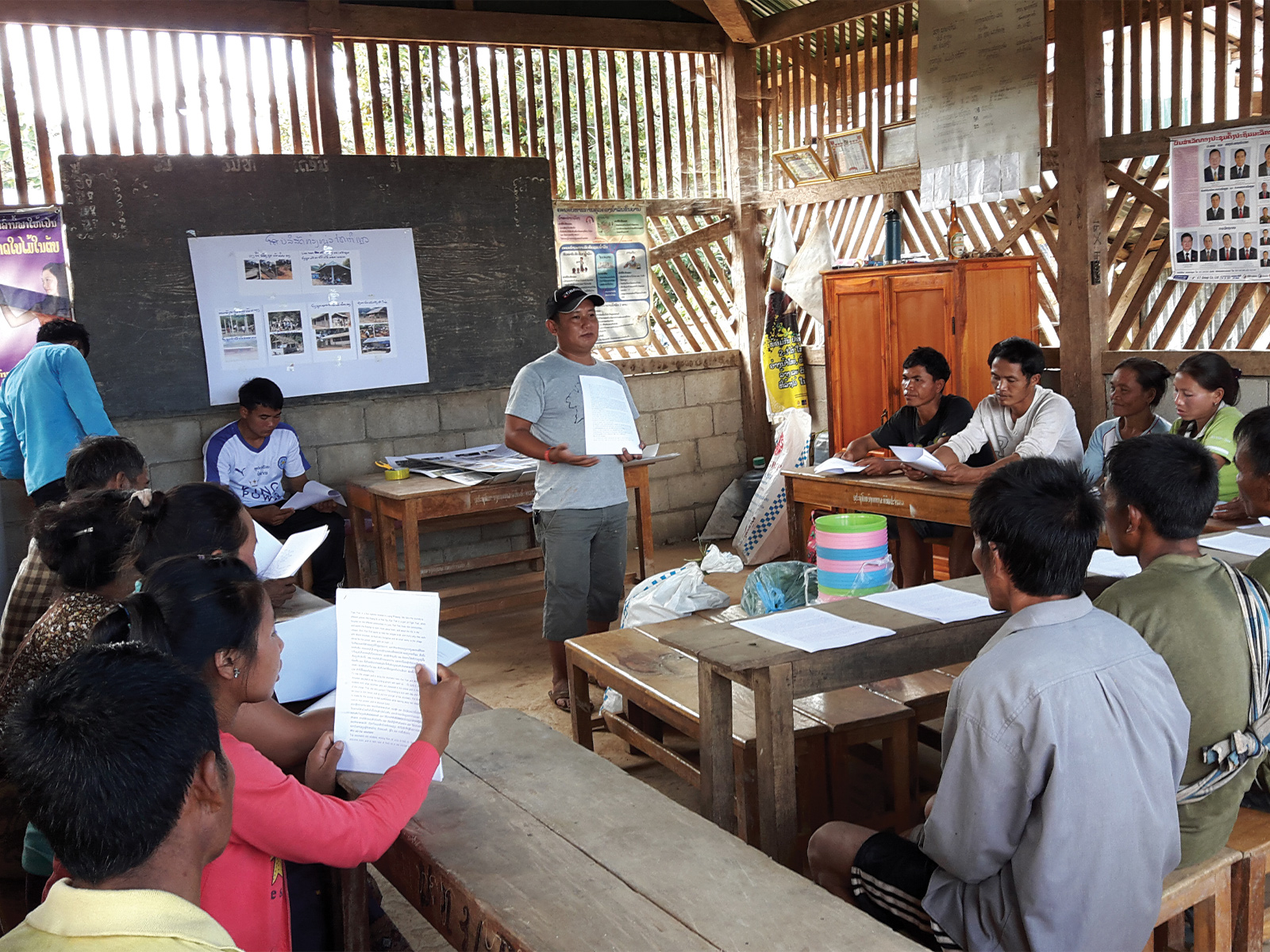 school_expeditions_laos_impact_english_class