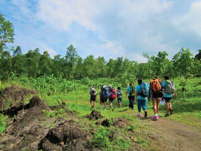 school_expeditions_northern_thailand_adventure_walking