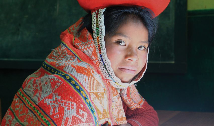 school_expedition_peru_impact_traditional_dress-2