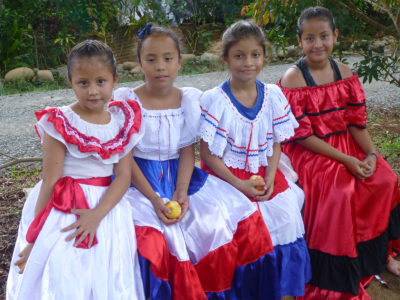 school_expedition_costa_rica_rws_girls_in_traditional_dress
