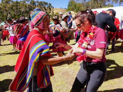 school_expedition_peru_rws_welcome_dance